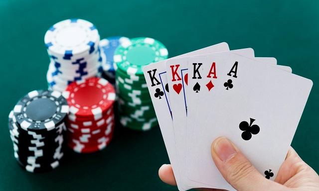 judi poker uang asli