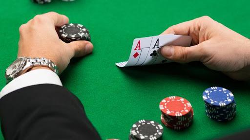 Kombinasi kartu poker istimewa